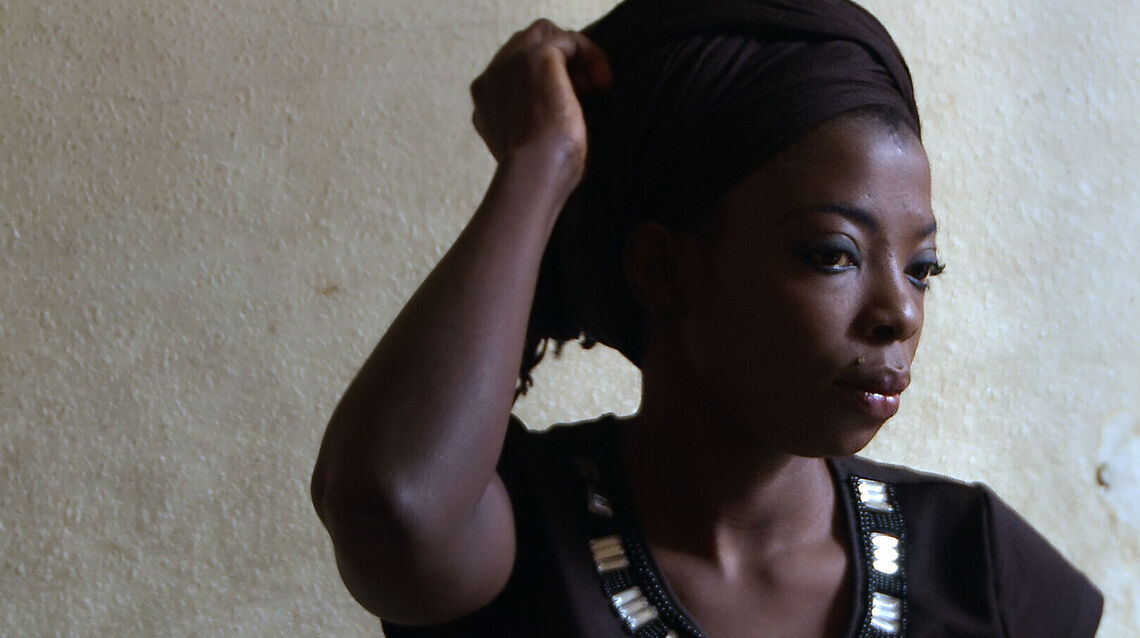 delphine s prayers 01 a film by rosine mbakam courtesy icarus films